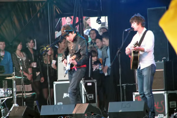 The_Last_Shadow_Puppets_at_Glastonbury_2008